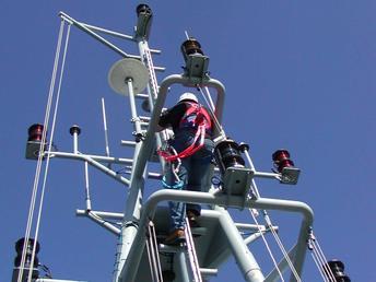 港口离岸和运输防坠器应用案例.jpg